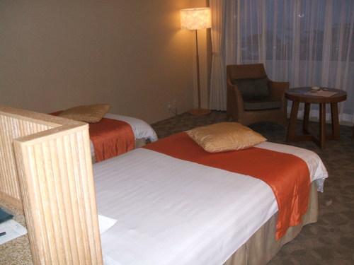 1-05 ホテルの部屋2