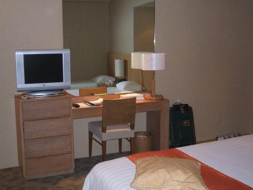 1-06 ホテルの部屋3